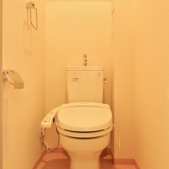 落ち着きそうな独立トイレ※写真は同間取り別部屋