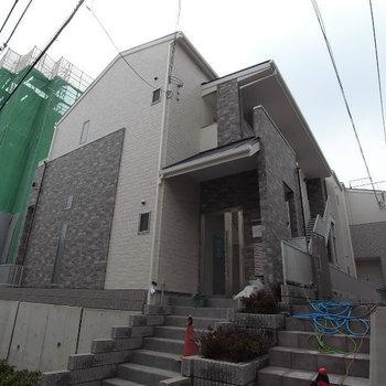 ワコーレヴィアーノ神戸上筒井通EAST