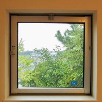 ちょっとした小窓が嬉しい