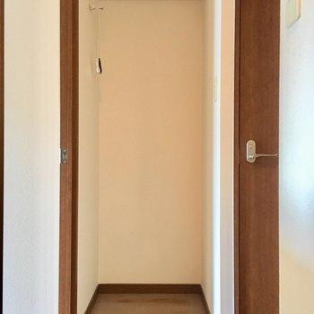 反対側に冷蔵庫置けそうな場所発見!(※写真は5階の同間取り別部屋のものです)