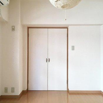 扉の雰囲気がどこか懐かしさ感じます〜