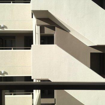 眺望はお向かいマンションです