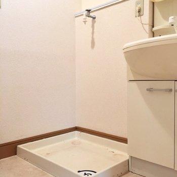 横に洗濯置き場。動線ばっちり!