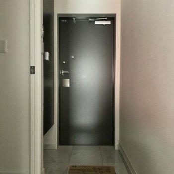 ゆったり玄関で来客時も安心です。