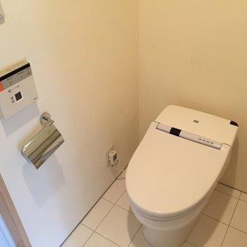 トイレはタンクレス※写真は別部屋です