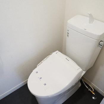 各階のトイレは新品に交換!
