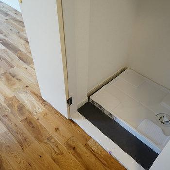 洗濯パンは扉で隠せます!