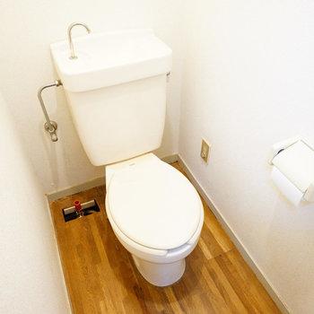 トイレも個室!※写真は工事前です