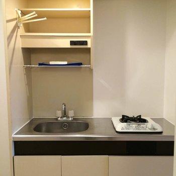 キッチンは1口ガス※写真は305号室