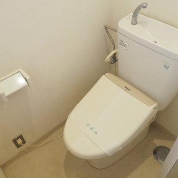 トイレは個室です◎