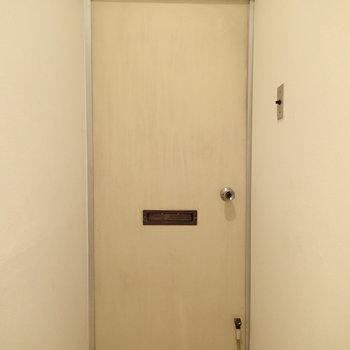 ドアは元のままかな?渋さが良かったです