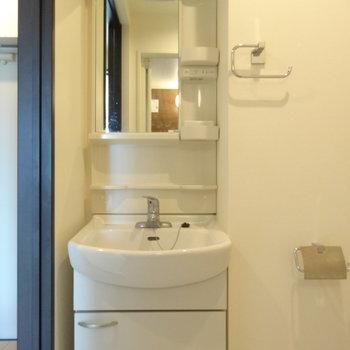 洗面台はスマートです。※写真は前回募集時のものです。