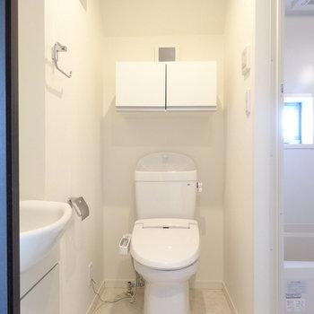 脱衣所正面にトイレ。※写真は前回募集時のものです。