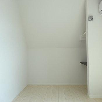 ナナメの壁で奥まった空間。※写真は前回募集時のものです。
