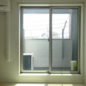 入って正面が窓です。※写真は前回募集時のものです。