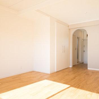 床はヤマグリフローリング♪※写真は別室です