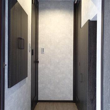 玄関からお部屋が見えないのがいいですね