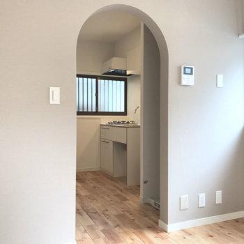 入り口のアーチが特徴的※写真はイメージです