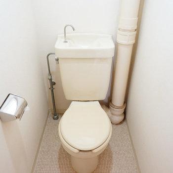 トイレは窓付き◎※写真は工事前です