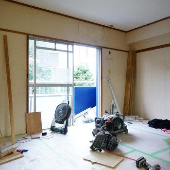 こちらは5.5帖の寝室です※写真は工事中です