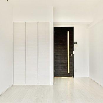 内装はすっきりシンプル。