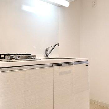 冷蔵庫スペースがあるのはうれしいポイント!(※写真は4階の反転間取り別部屋のものです)