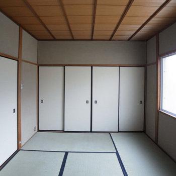 押入れのある小さめ和室