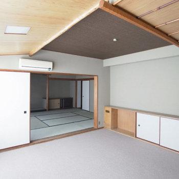 和室に接続する きれいな洋室