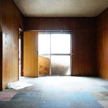 こちら1階のリビングになるお部屋!※写真は工事前です