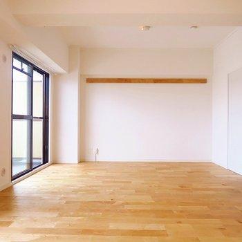 どうや〜この広々リビング!しかも無垢の床! ※前回募集時の写真