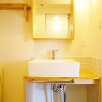 造作の洗面台がとっても可愛い、キュンとしかしない ※前回募集時の写真