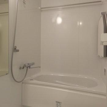 追い焚き・浴室乾燥機つき!