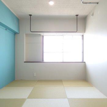 北側に琉球畳の和室あり