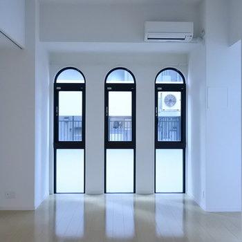 アーチ窓に恋して