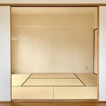 和室は壁寄せで家具が置きやすい。(※写真は6階の反転間取り別部屋のものです)