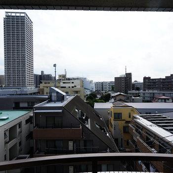 リビングからの眺めはこんな感じで気持ち良い!※写真は503号室