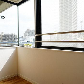 窓がL字で日当たりの良さが!※写真は503号室