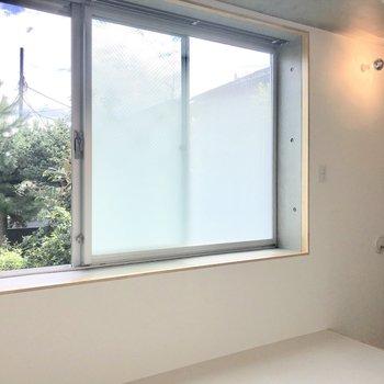 【2階】窓は大きいです※写真は前回募集時のものです
