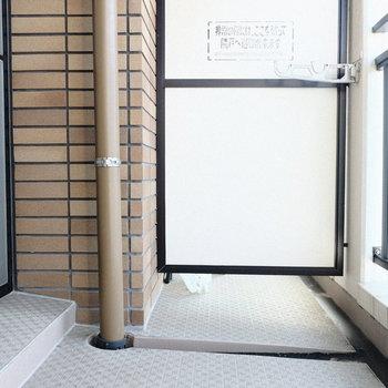 ベランダは幅があって広々です♪※写真は7階の同間取り別部屋のものです