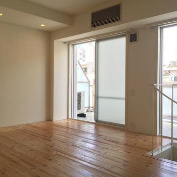 窓も大きいし〜※写真は3,4階のお部屋