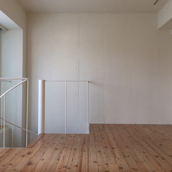 螺旋階段。※写真は3,4階のお部屋