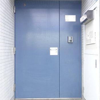 玄関扉、しっかりしてます。※写真は前回募集時のものです
