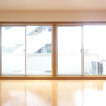 この開口のガラス窓!※写真は前回募集時のものです