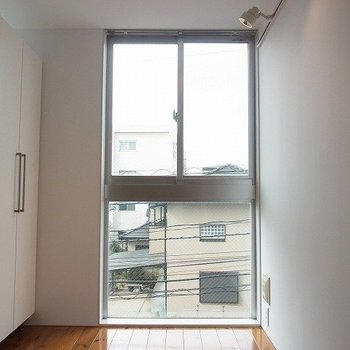 高さがしっかりある大きい窓!