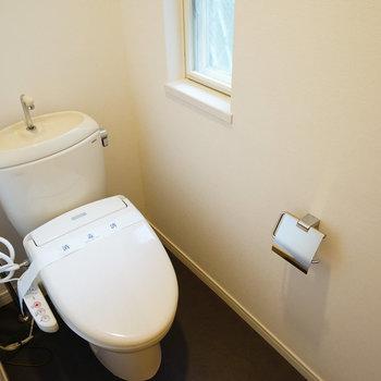 トイレにも窓!