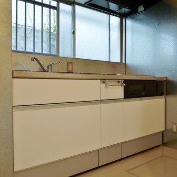 ゆったりサイズのキッチン♪。※写真は前回撮影時のもの