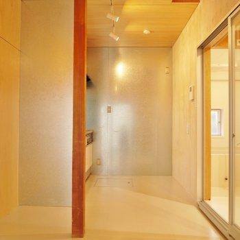 温かい空間が広がるリビングルーム♪。※写真は前回撮影時のもの
