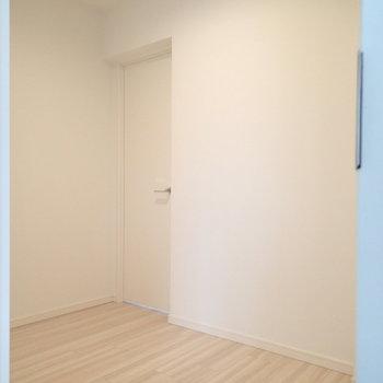 ウォークインクローゼットあり!2つの部屋からアクセスできます※写真は前回募集時のものです