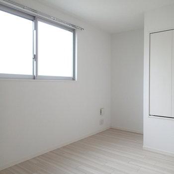 こちらのお部屋はコンクリート打ち放していません※写真は前回募集時のものです
