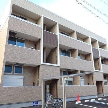 駅チカの新築アパートです